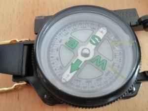 Ballonfahrt Geschenkset Kiste Kompass Military für MännerBallonfahrt Riesa verschenken mit dem Gesachenkset Military Kompass